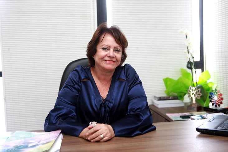 Secretária Julieta Palmeira