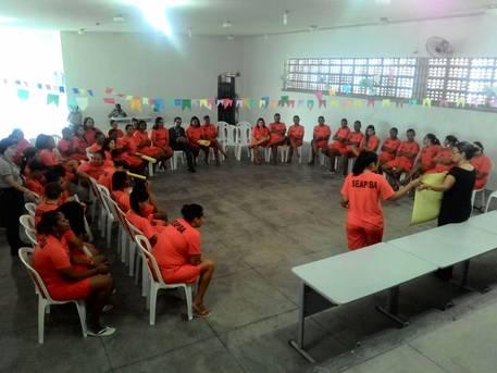 Encerrada etapa do Projeto de Capacita��o em Direitos Humanos e Cidadania com internas do Conjunto Penal de Feira de Santana