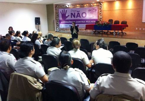Policiais participam de capacitação da Ronda Maria da Penha