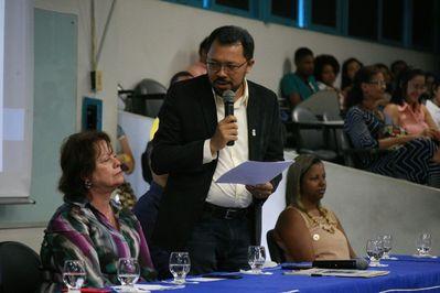 Titular da SPM representa o governador em abertura do semestre na UEFS